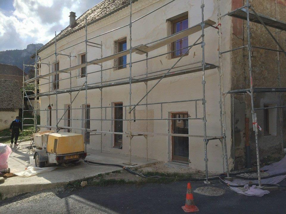 Revêtement de façade (après) enduit projeté