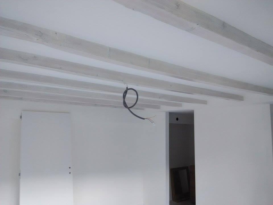 Après: cloison et faux plafond entre poutres
