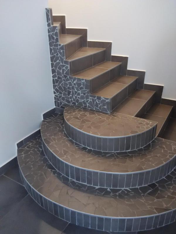 Escalier habillage carrelage mozaïque