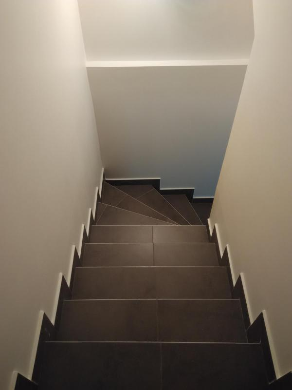 Habillage escalier en carrelage